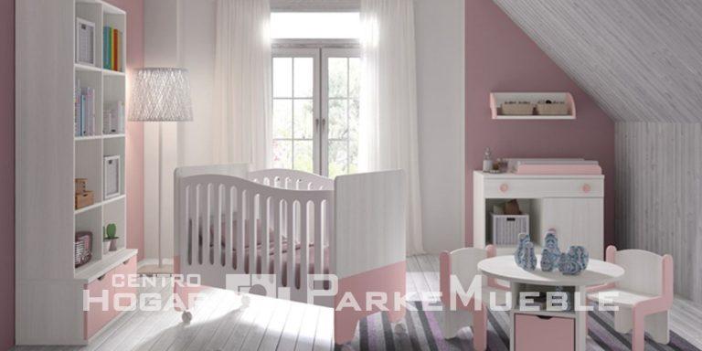 Habitación de bebé rosa