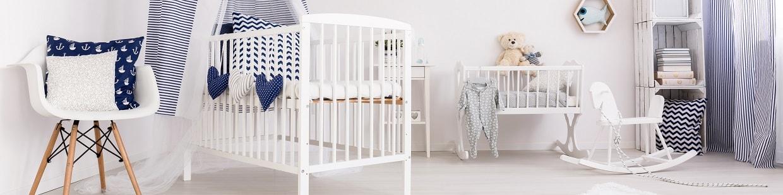 Habitación azul de bebé